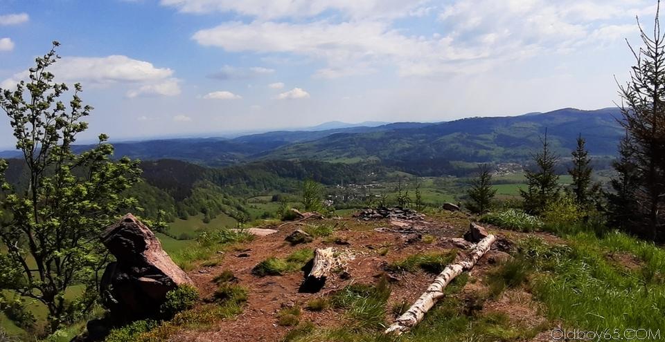 Górska refleksja z bezkresnym widokiem